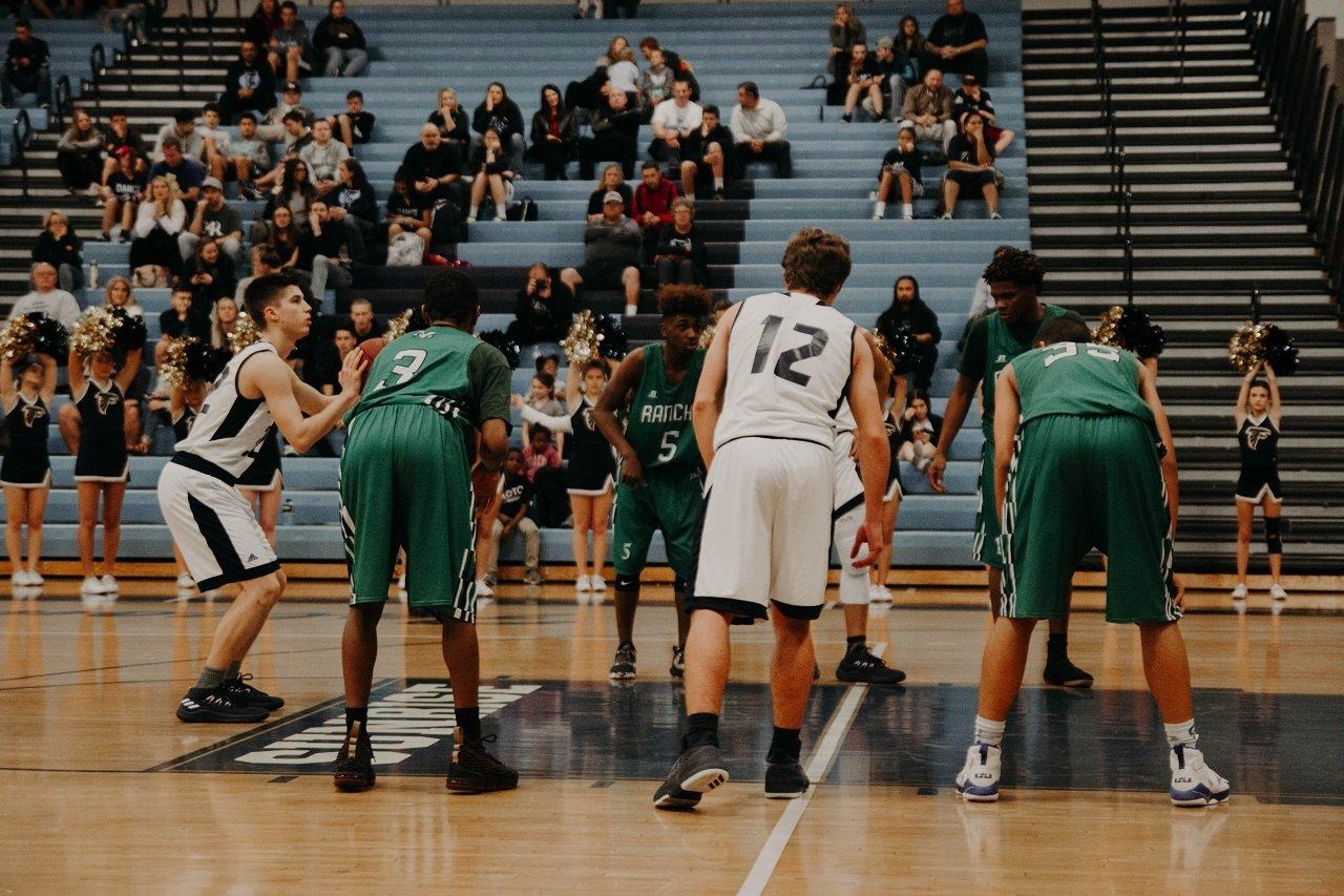 baskettball players image